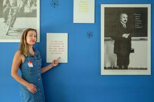 WELCOMESPY Anna Stella Bonin bei ebay in Berlin im Konferenzraum Albert Einstein