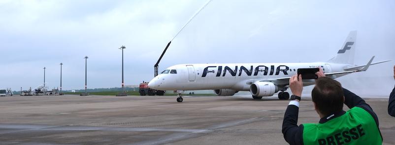 Feuerwehrdusche-Haj-Finnair