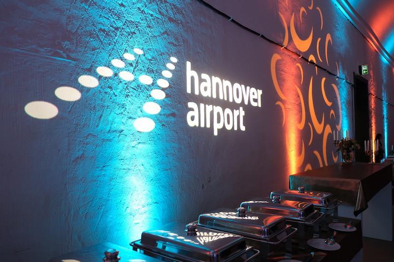 Logo-Hannover-Airport-Wandprojektion